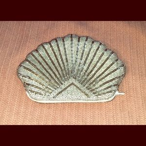 Beaded Seashell Clutch ✨